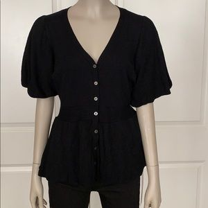 Zoe D. NWT Short Sleeve Peplum V-Neck Sweater